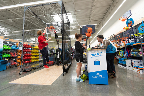 17-Decathlon_Emeryville-2832-0522